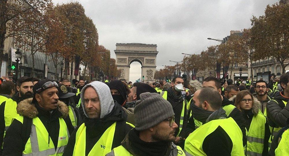 """Pháp: Làn sóng biểu tình """"Áo vàng"""" hạ nhiệt"""