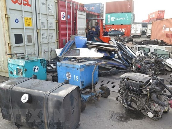 Sẽ kiểm tra, tiêu hủy container phế liệu vi phạm không có người nhận