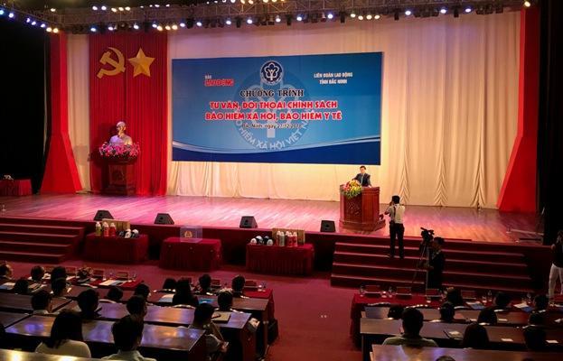 Tư vấn, đối thoại chính sách BHXH, BHYT với gần 1000 công nhân