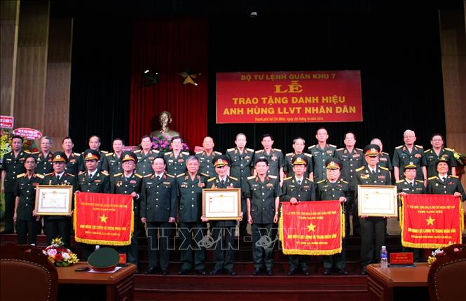 3 đơn vị thuộc Quân khu 7 nhận danh hiệu Anh hùng Lực lượng Vũ trang nhân dân
