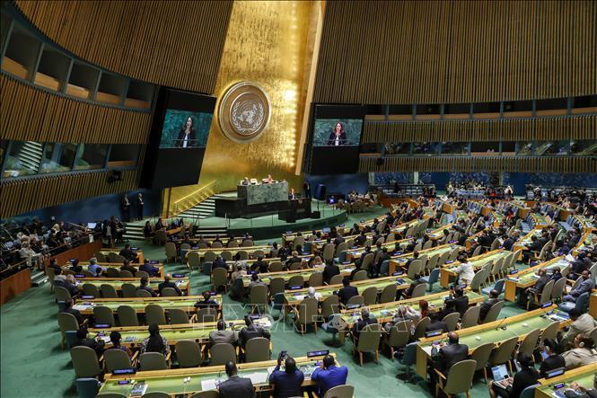 Đại hội đồng Liên hợp quốc thông qua Hiệp ước Toàn cầu về người tị nạn