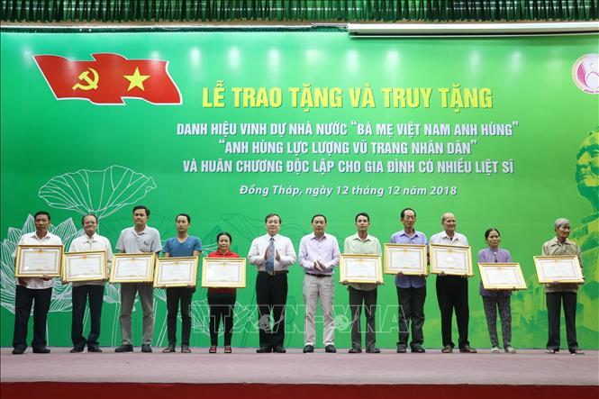 Đồng Tháp trao tặng, truy tặng các danh hiệu vinh dự Nhà nước