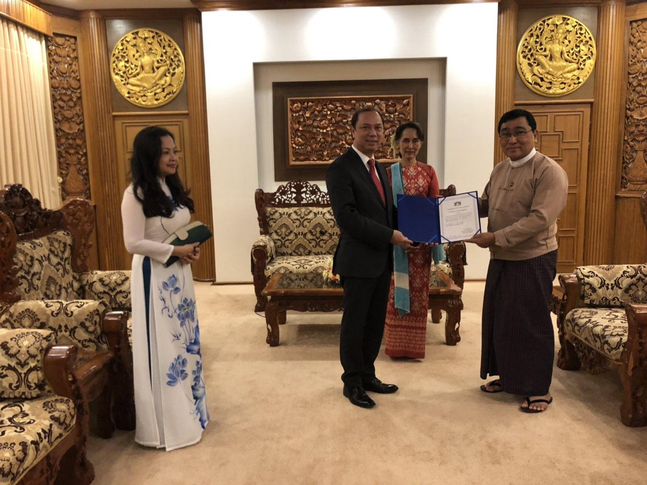 Việt Nam hỗ trợ Chính phủ Myanmar 100.000 đô-la Mỹ