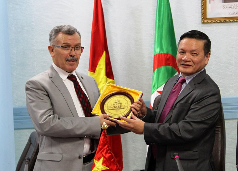 Ra mắt Nhóm Nghị sỹ hữu nghị Algeria – Việt Nam