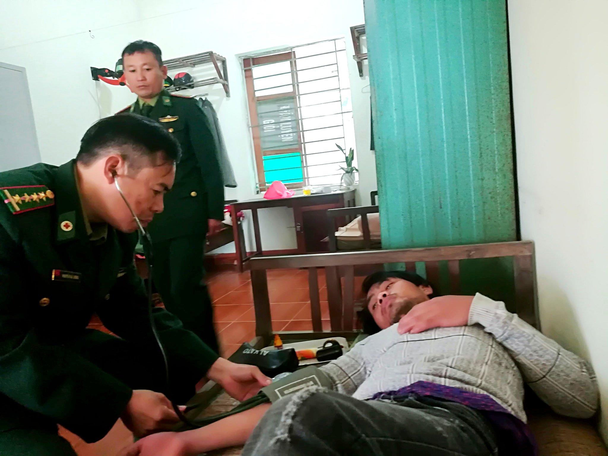 Nghệ An: Cứu sống 7 thuyền viên bị chìm tàu  