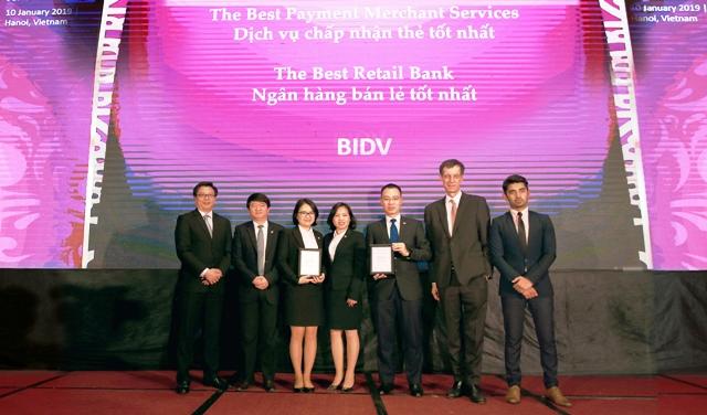 """BIDV nhận giải thưởng """"Ngân hàng Bán lẻ tốt nhất Việt Nam"""" 5 năm liên tiếp"""