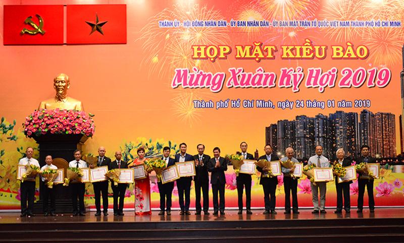 Mong kiều bào tiếp tục đóng góp cho sự phát triển của Thành phố Hồ Chí Minh