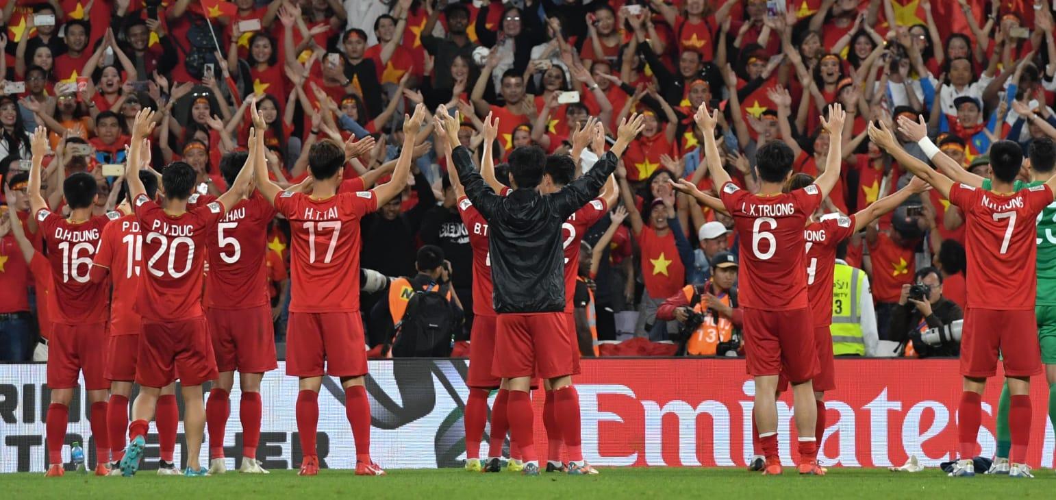 Tận cùng kịch tính, Việt Nam vào vòng 1/8 Asian Cup