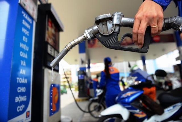 Giá xăng E5 RON 92 giữ ổn định ở mức 16.270 đồng/lít