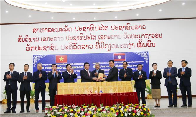 Công bố tác phẩm Hồ Chí Minh toàn tập cuốn 5, 7, 8 từ tiếng Việt sang tiếng Lào