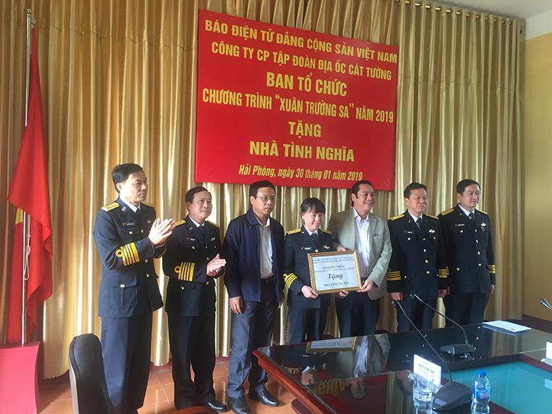 Báo điện tử Đảng Cộng sản Việt Nam trao nhà tình nghĩa tại Hải Phòng