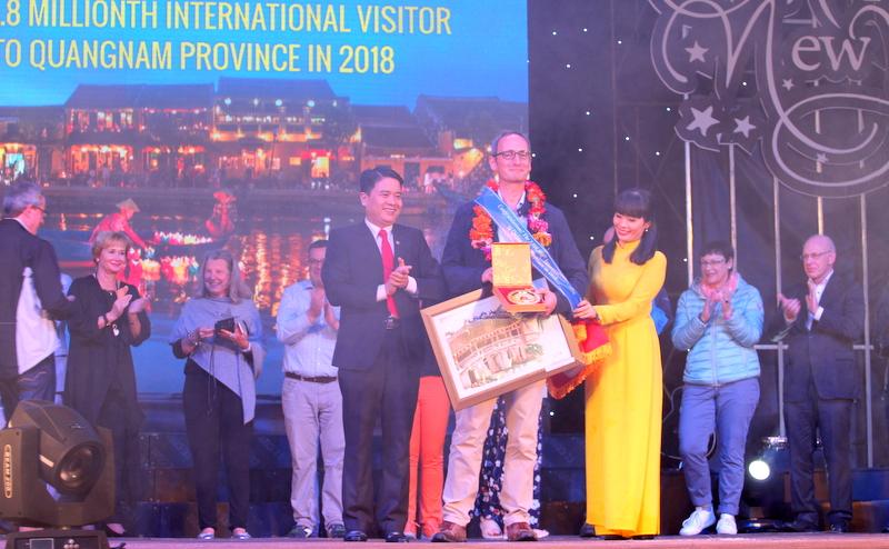 Quảng Nam đón vị khách du lịch quốc tế thứ 3,8 triệu năm 2018