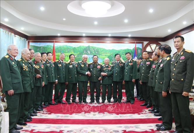 Bộ trưởng Quốc phòng Lào cảm ơn các cựu chiến sĩ tình nguyện và chuyên gia Việt Nam