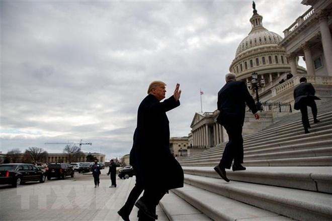 Tổng thống Mỹ Donald Trump hoãn tuyên bố tình trạng khẩn cấp