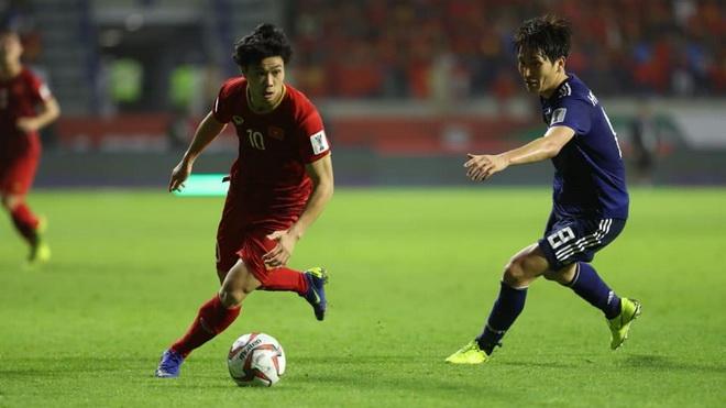 Đội tuyển Việt Nam được đánh giá cao khi thi đấu quả cảm trước Nhật Bản