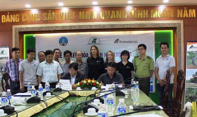 Ký kết hợp tác bảo tồn voi giữa tổ chức động vật châu Á và UBND tỉnh Đăk Lăk