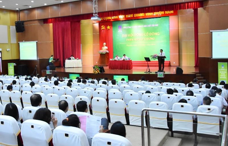 Ông Nguyễn Tiến Vinh được bầu làm Chủ tịch HĐQT, ông Lê Cự Tân làm Tổng giám đốc PVFCCo