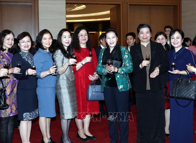 Chủ tịch Quốc hội Nguyễn Thị Kim Ngân chúc Tết tại Văn phòng Quốc hội