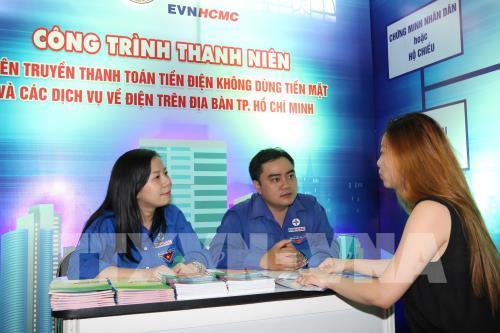 TP.HCM: Hơn 90,5% khách hàng thanh toán tiền điện trực tuyến