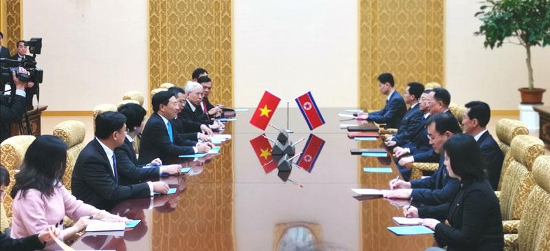 Việt Nam coi trọng phát triển quan hệ hữu nghị truyền thống với CHDCND Triều Tiên