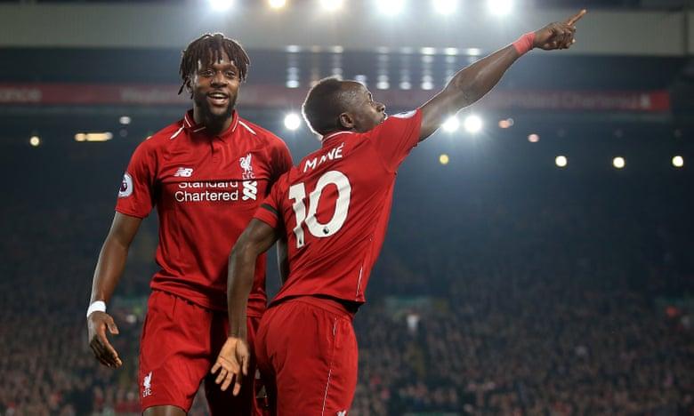 Liverpool đại thắng, tiếp tục dẫn đầu Premier League