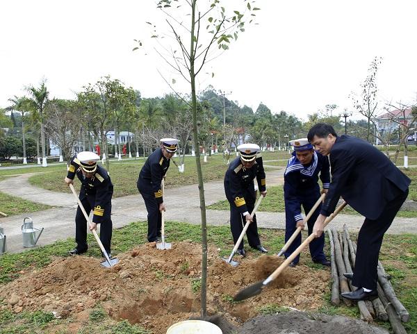 Phát động Lễ trồng cây tại các Lữ đoàn, Vùng 1 Hải quân