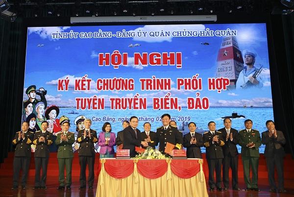 Tỉnh ủy Cao Bằng và Đảng ủy Quân chủng Hải quân phối hợp tuyên truyền biển, đảo