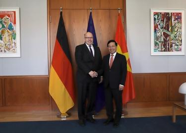 Việt Nam luôn coi trọng quan hệ Đối tác chiến lược với Đức