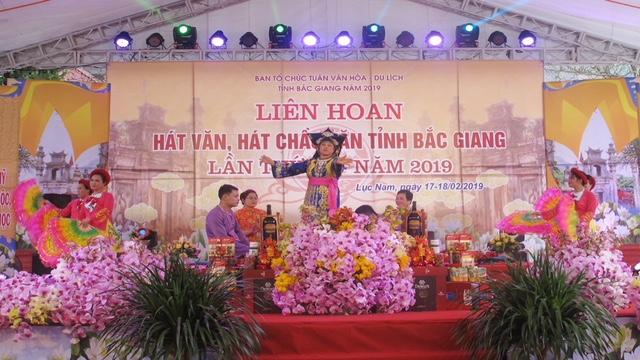 Bắc Giang: Gìn giữ và phát huy di sản hát văn, hát chầu văn