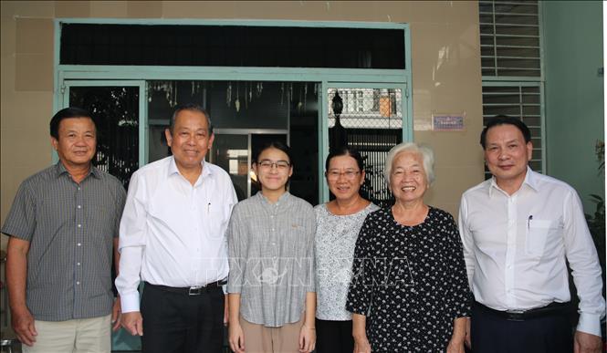 Phó Thủ tướng Thường trực Trương Hòa Bình thăm các gia đình chính sách tại Cần Thơ
