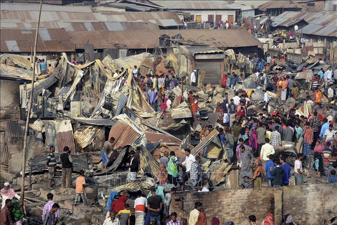 """Bangladesh: Hỏa hoạn tại khu """"nhà ổ chuột"""" gây nhiều thương vong"""