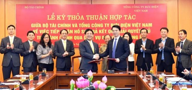 Bộ Tài chính giải quyết thủ tục hành chính qua dịch vụ bưu chính công ích