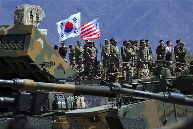 Tổng thống Mỹ Donald Trump bác khả năng giảm lính Mỹ đồn trú ở Hàn Quốc