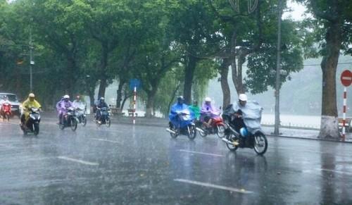 Miền Bắc mưa rét, miền Nam nắng rát