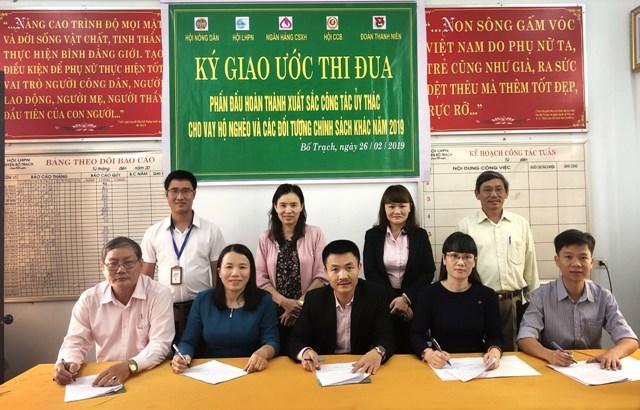 Ký giao ước thi đua 2019 của NHCSXH huyện Bố Trạch, Quảng Bình