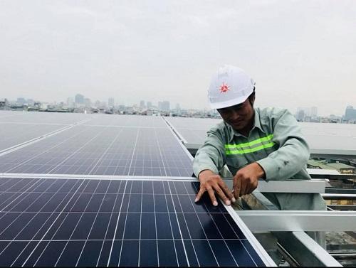 Phát hiện mới trong công nghệ năng lượng Mặt trời của nhóm nghiên cứu người Việt tại Australia