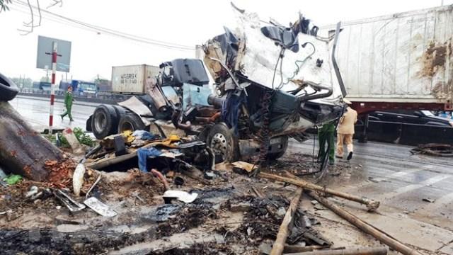Thanh Hóa: Tai nạn giao thông liên hoàn làm 8 người thương vong