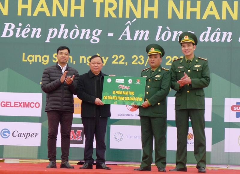 Đồng hành cùng quân và dân biên giới Lạng Sơn