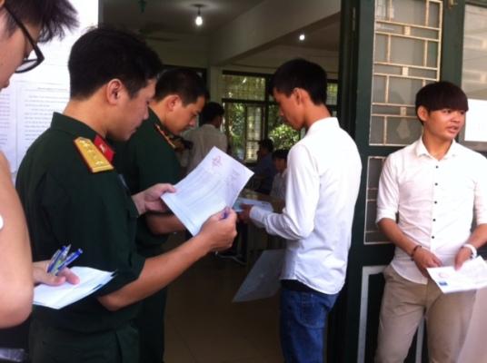 Một số trường Quân đội dự kiến được tuyển thí sinh cận thị không quá 3 đi-ốp