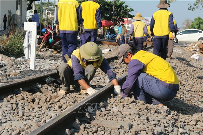 Sự cố tàu khách trật bánh tại Đồng Nai: Hơn 600 hành khách được hỗ trợ chuyển tiếp đến ga Sài Gòn