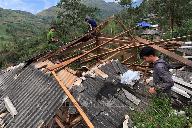 Lai Châu: Hỗ trợ các hộ dân bị thiệt hại do gió lốc, mưa đá