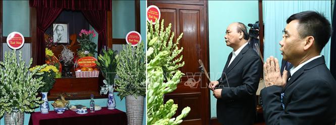 Thủ tướng dâng hương Chủ tịch Hồ Chí Minh và các tiền bối cách mạng