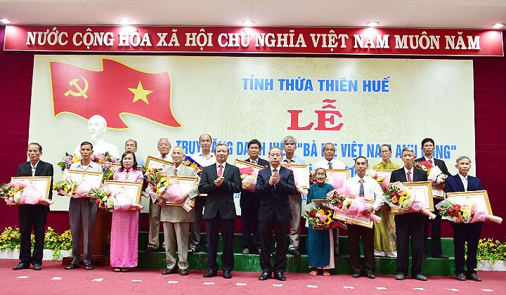 """Thừa Thiên Huế: 73 mẹ được truy tặng danh hiệu """"Bà mẹ Việt Nam anh hùng""""  """