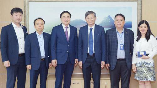 Tổng giám đốc EVN tiếp lãnh đạo KOEN