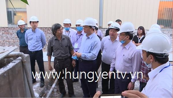 Bộ trưởng Bộ TN&MT Trần Hồng Hà thị sát dây chuyền xử lý rác thải để phát điện tại Hưng Yên