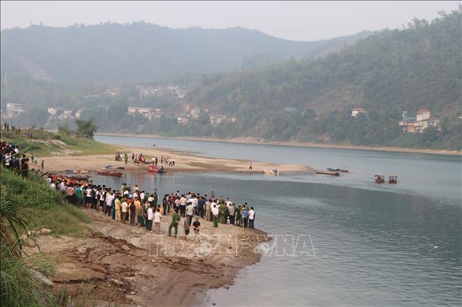 Hòa Bình: Tắm sông Đà, 8 học sinh chết đuối thương tâm