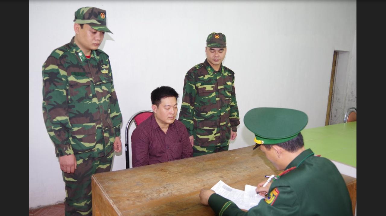 Bắt giữ đối tượng bị truy nã khi đang làm thủ tục xuất cảnh sang Trung Quốc