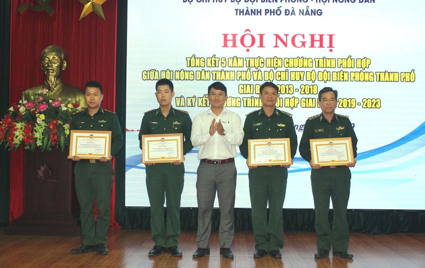 Đà Nẵng: Phối hợp tuyên truyền giữ gìn an ninh biên giới biển