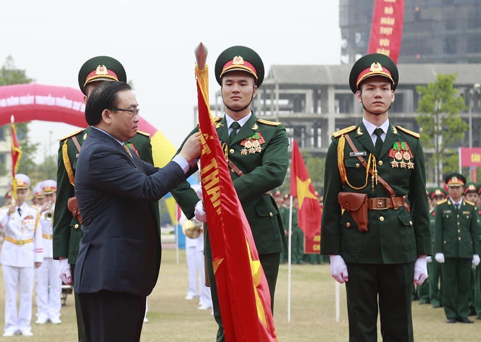 Phát huy truyền thống vẻ vang của lực lượng vũ trang Thủ đô