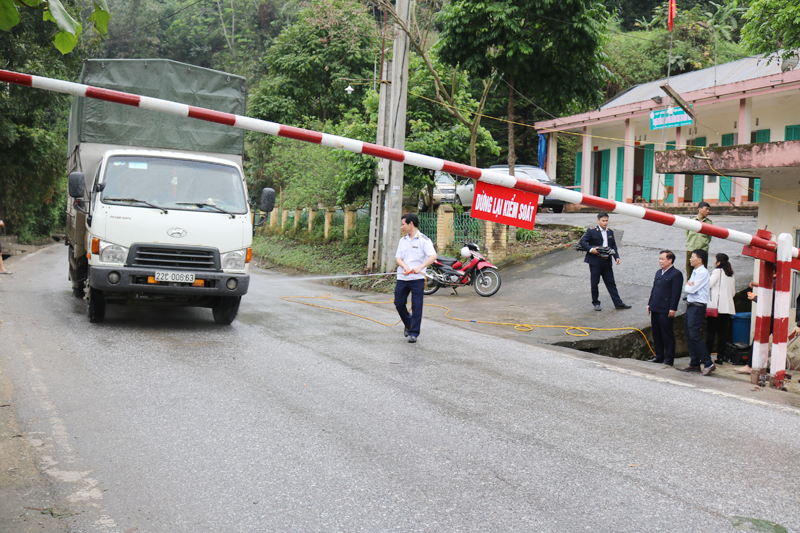 Lào Cai: Tăng cường chốt kiểm dịch phòng, chống dịch tả lợn châu Phi